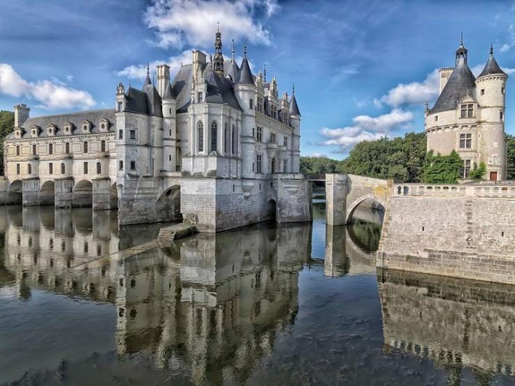 جاذبه محبوب گردشگری در رودخانه فرانسه