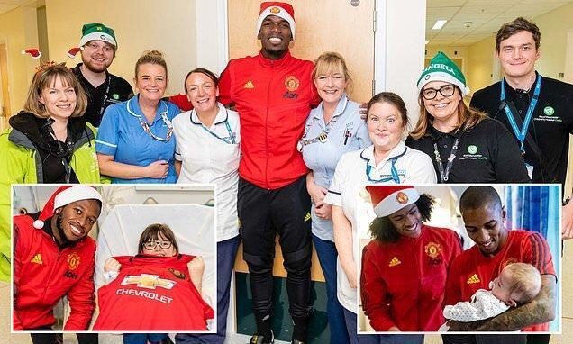 بازدید بازیکنان یونایتد از بیمارستان بچه ها در آستانه کریسمس