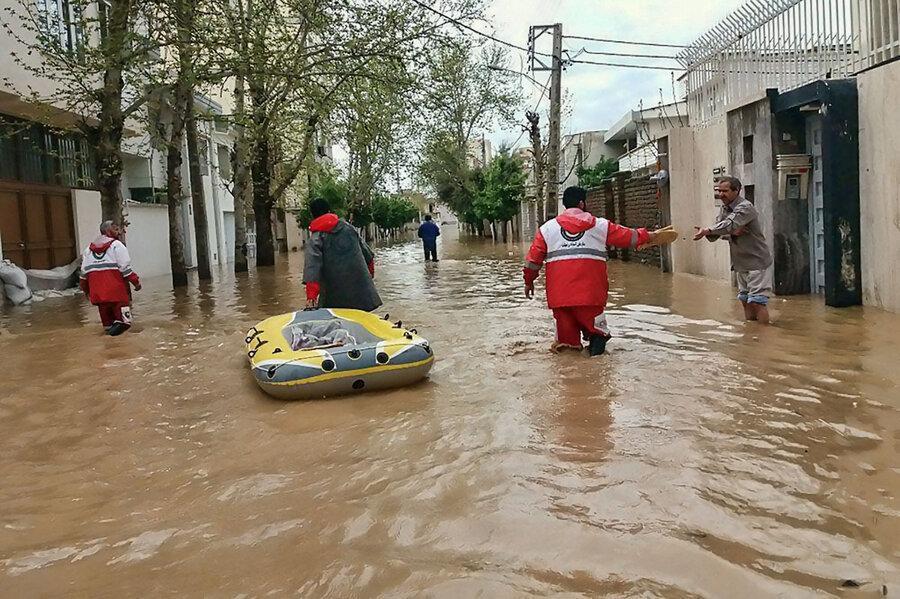اسکان اضطراری بیش از یکهزار نفر متاثر از آبگرفتگی پس از باران در خوزستان